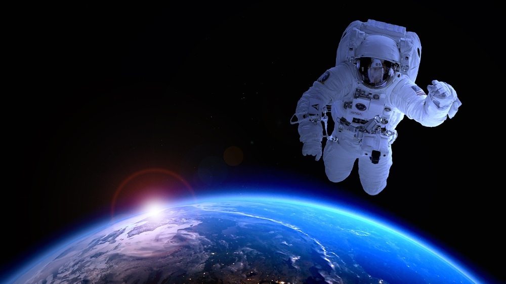 astronaut-1849401_1280