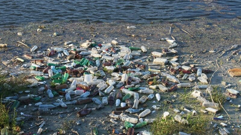 bottles-vaste-water-plastic